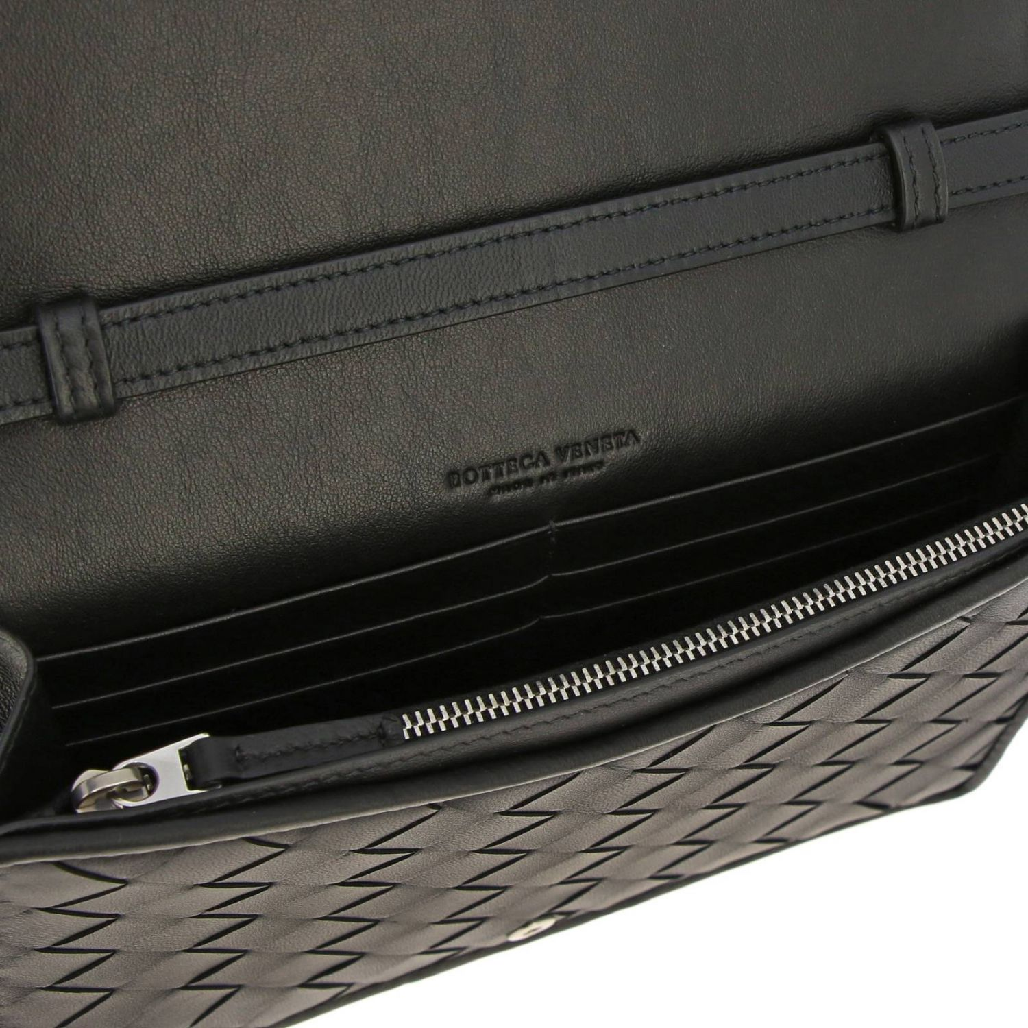 Bottega Veneta shoulder bag in leather with maxi weave black 5