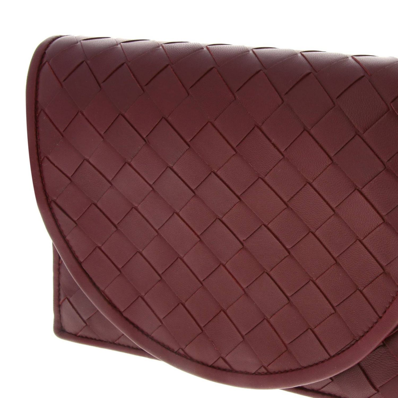Bottega Veneta Umhängetasche aus Leder mit Maxi-Gewebe burgunderrot 4