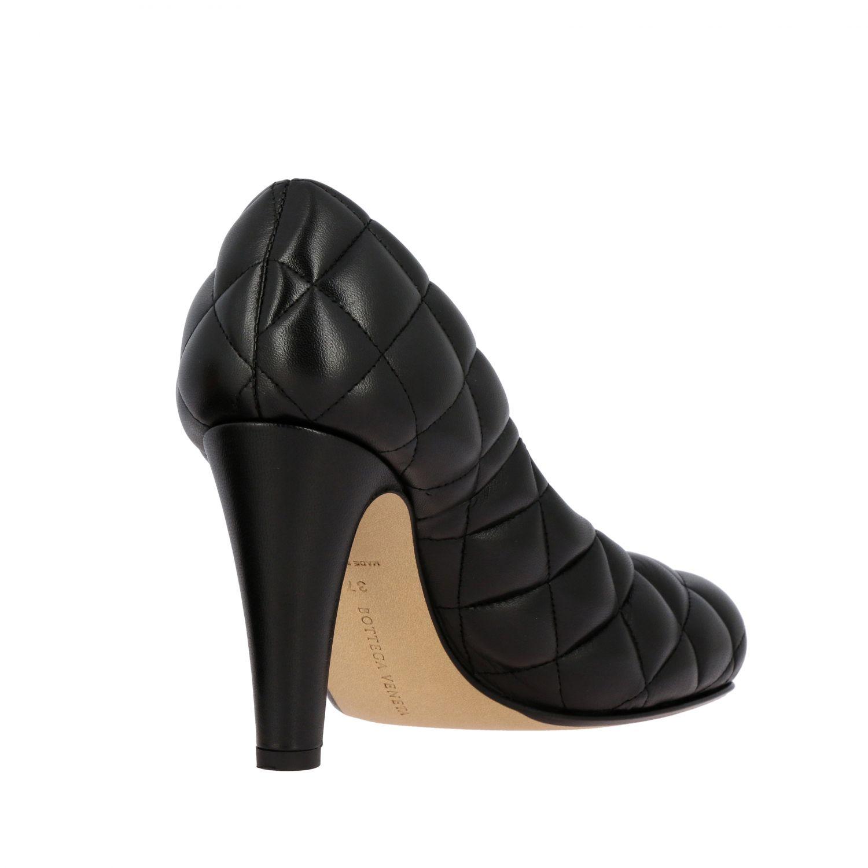 Туфли-лодочки Bottega Veneta: Туфли Padded Bottega Veneta из тисненой кожи черный 5
