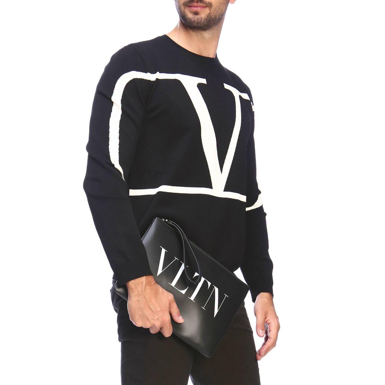 Pochette Valentino Garavani in pelle con maxi stampa VLTN nero 2