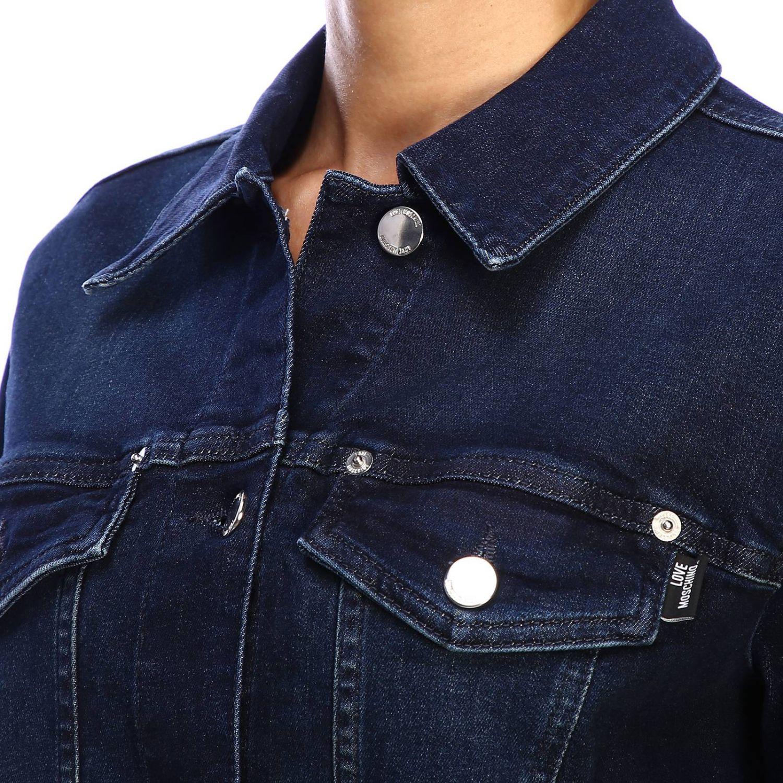 Giacca di jeans Love Moschino con maxi logo di strass denim 4