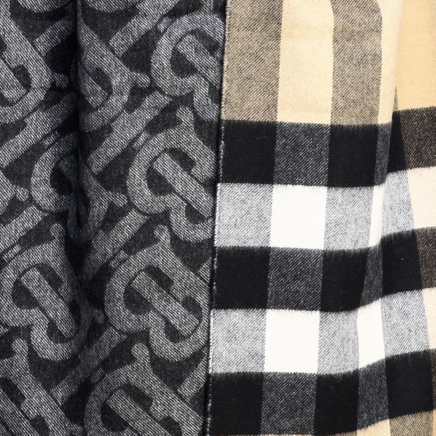 Burberry double-sided cashmere scarf with TB logo and check motif beige 3