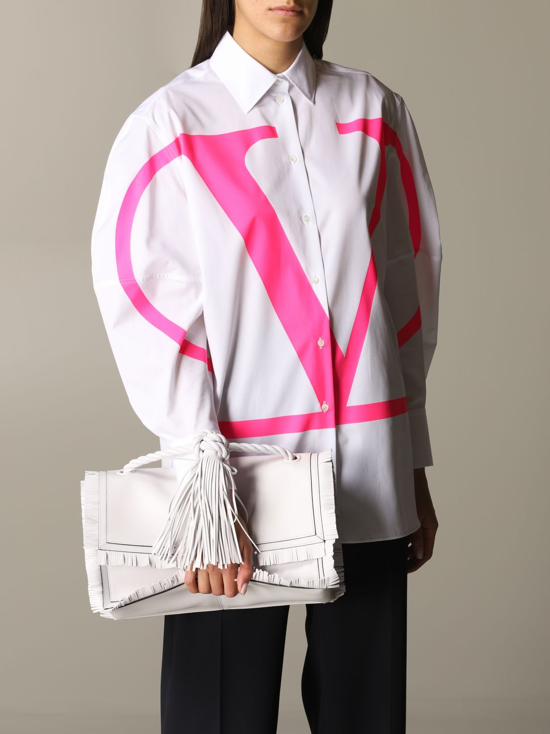 The rop Valentino Garavani bag in leather with fringes white 2