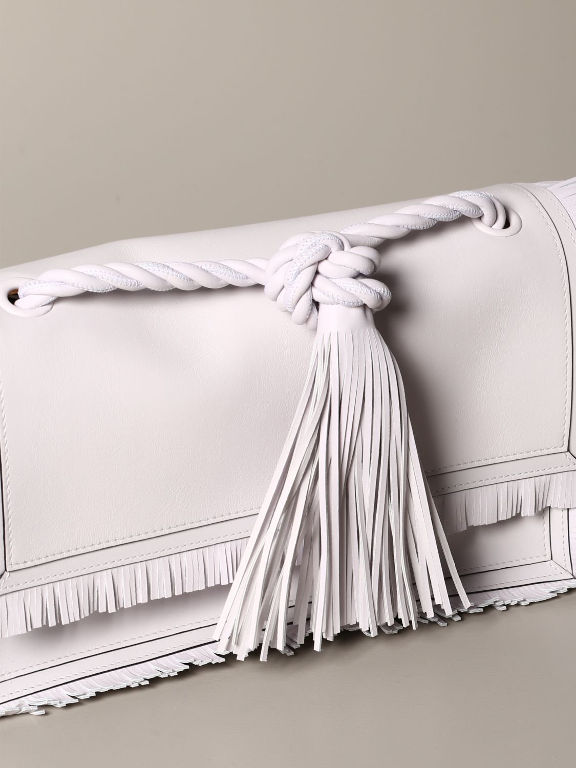 The rop Valentino Garavani bag in leather with fringes white 4