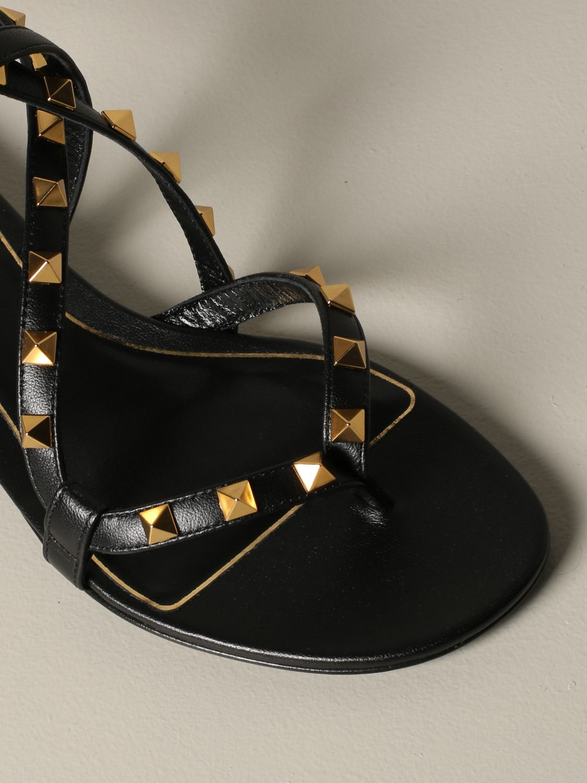 Sandales plates Valentino Garavani: Sandales plates en cuir Rockstud Valentino Garavani noir 3