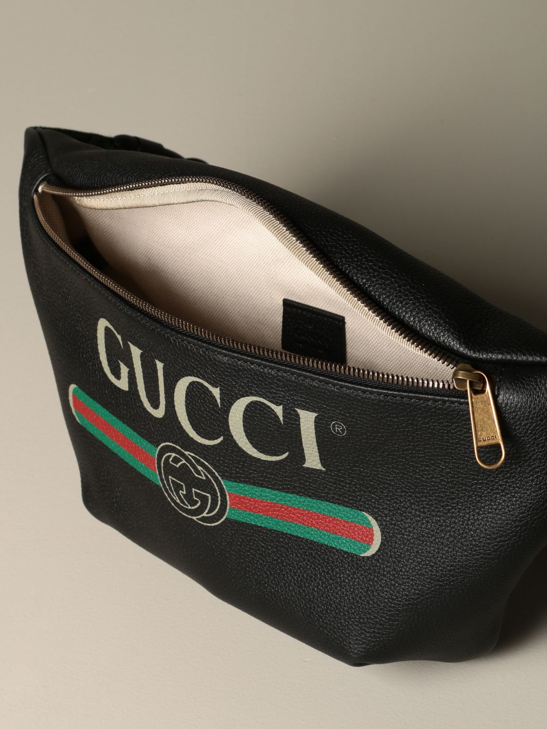 Belt bag Gucci: Gucci Print pouch in textured leather black 4