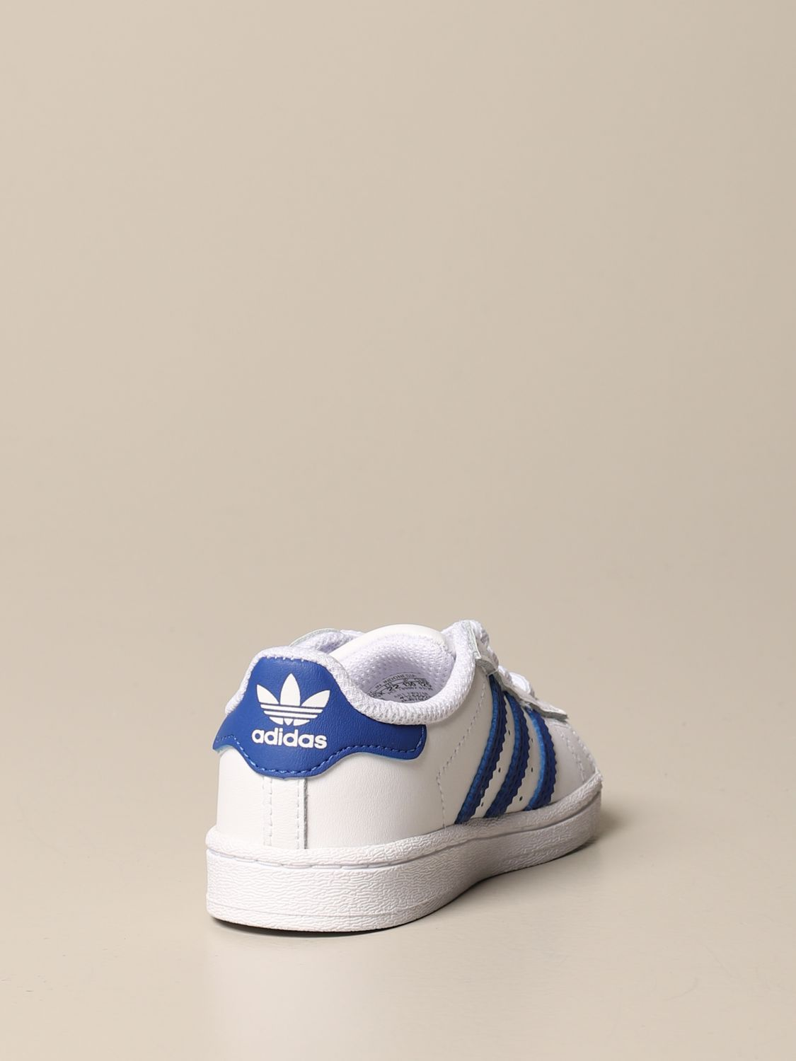 Scarpe Adidas Originals: Sneakers Superstar Adidas Originals in pelle bianco 3