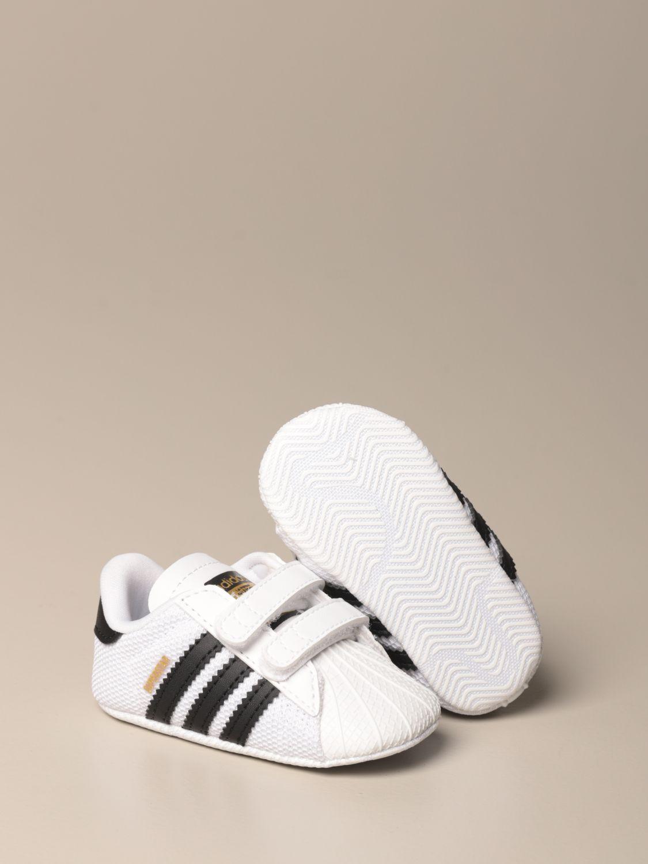 Scarpe Adidas Originals: Sneakers Superstar Adidas Originals in pelle e rete bianco 2