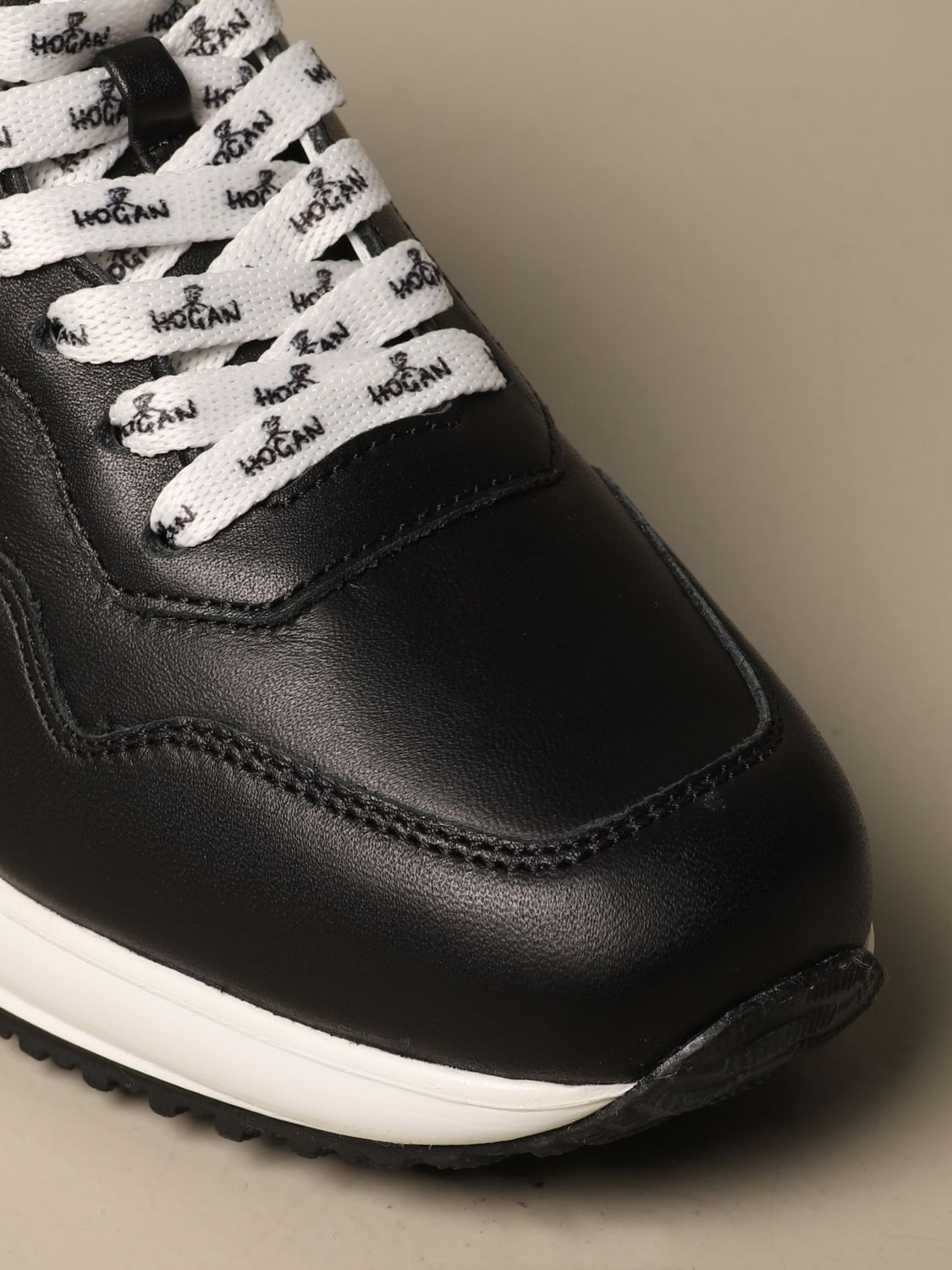 Interactive Hogan leather sneakers with H flock