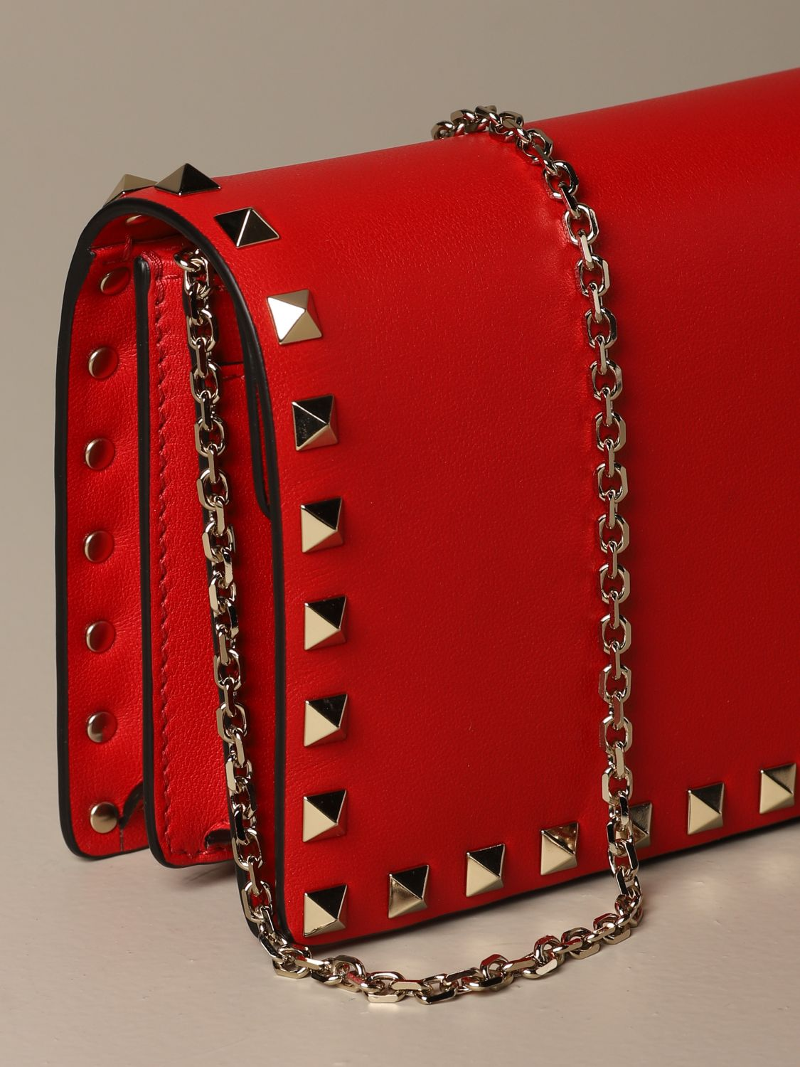 Mini bag Valentino Garavani: Valentino Garavani Rockstud leather shoulder bag red 4