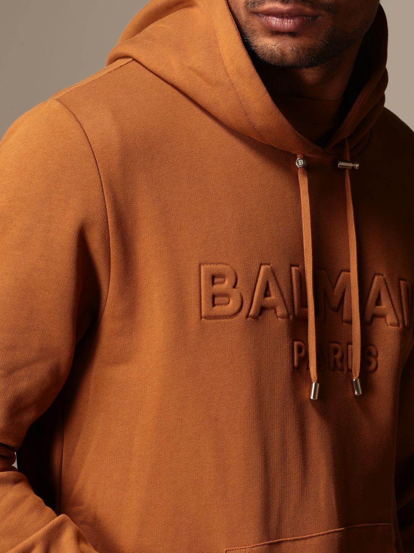Felpa Balmain: Felpa Balmain con cappuccio e logo in rilievo cammello 5