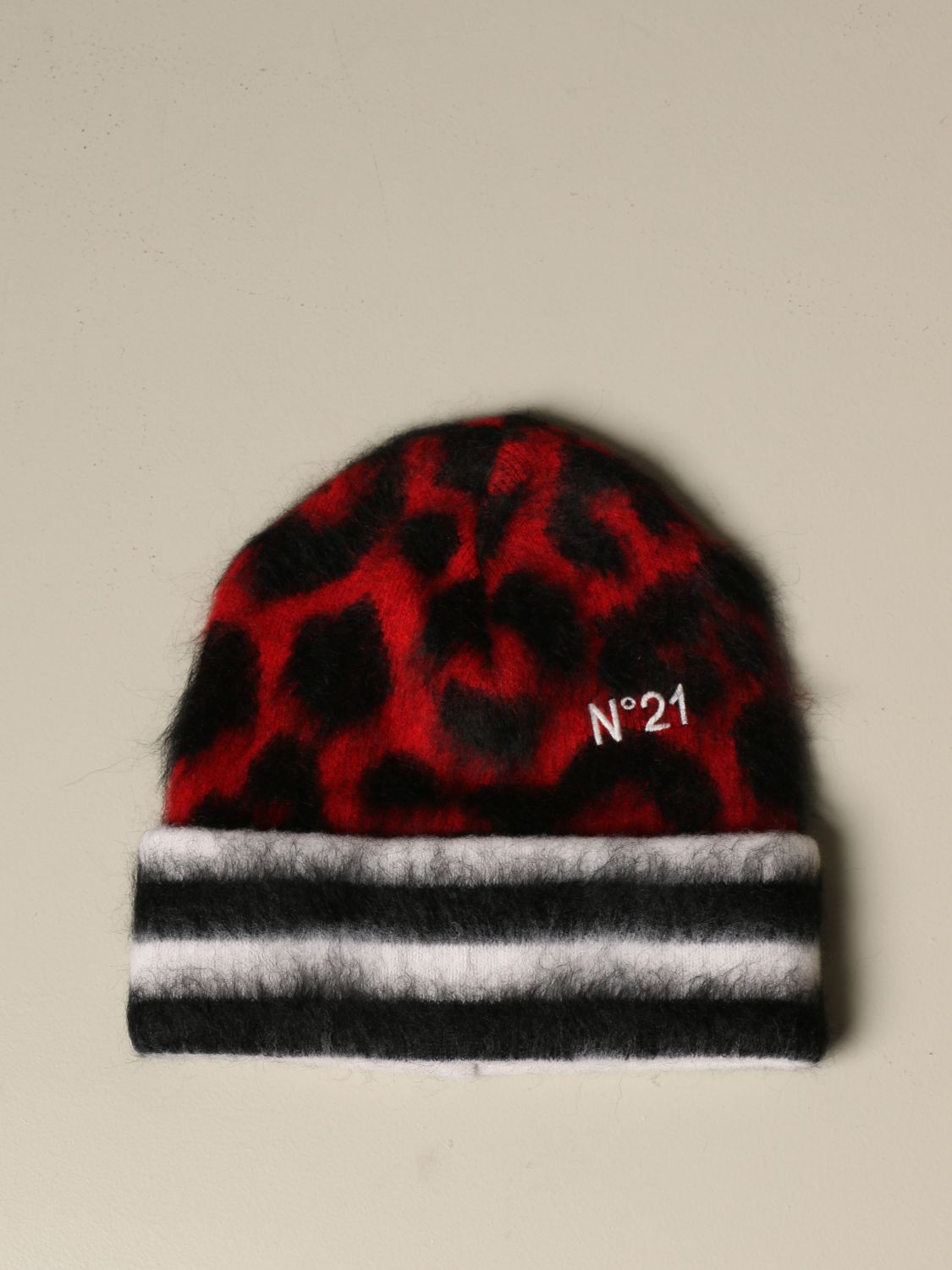 Hat N° 21: N ° 21 hat in animalier wool and Mohair red 1