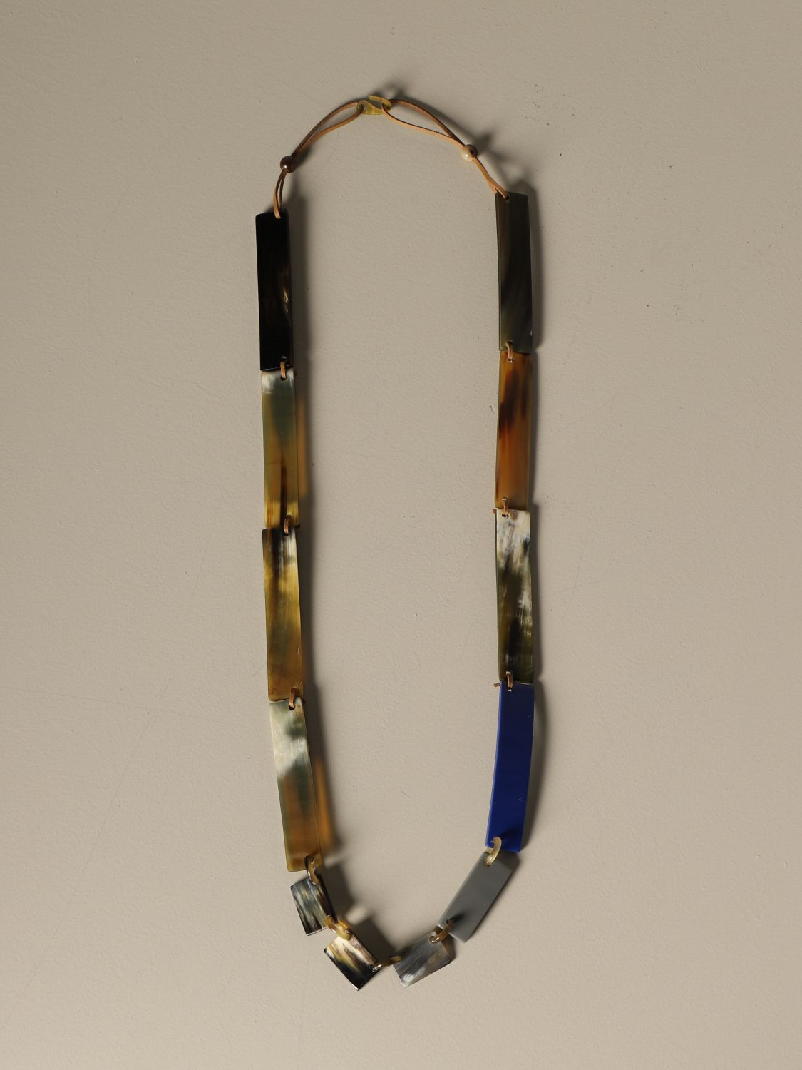 Jewel Allujewels: Allu'jewels Rectangles necklace with horn rectangles blue 1