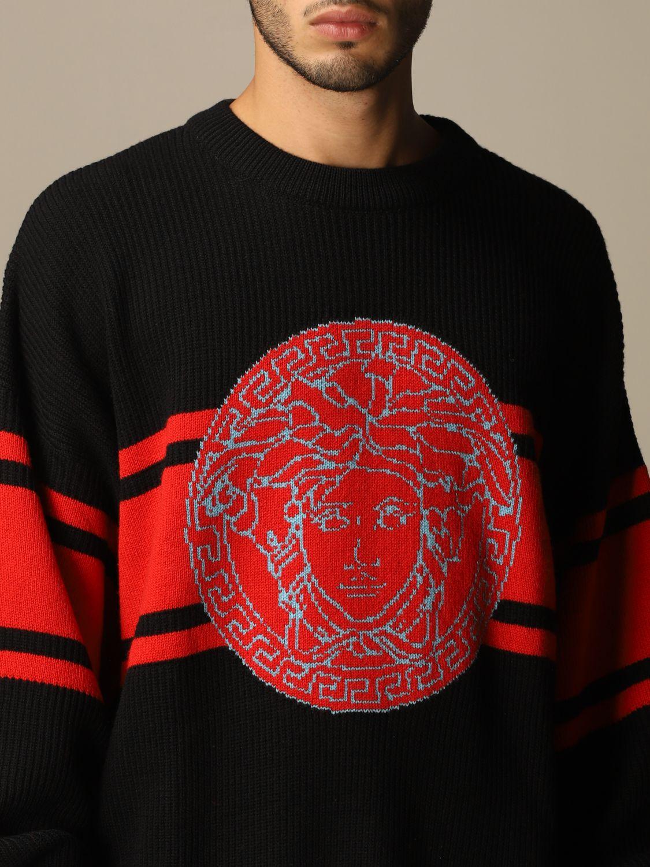 Maglia Versace: Pullover Versace in lana con logo Medusa in jacquard nero 5