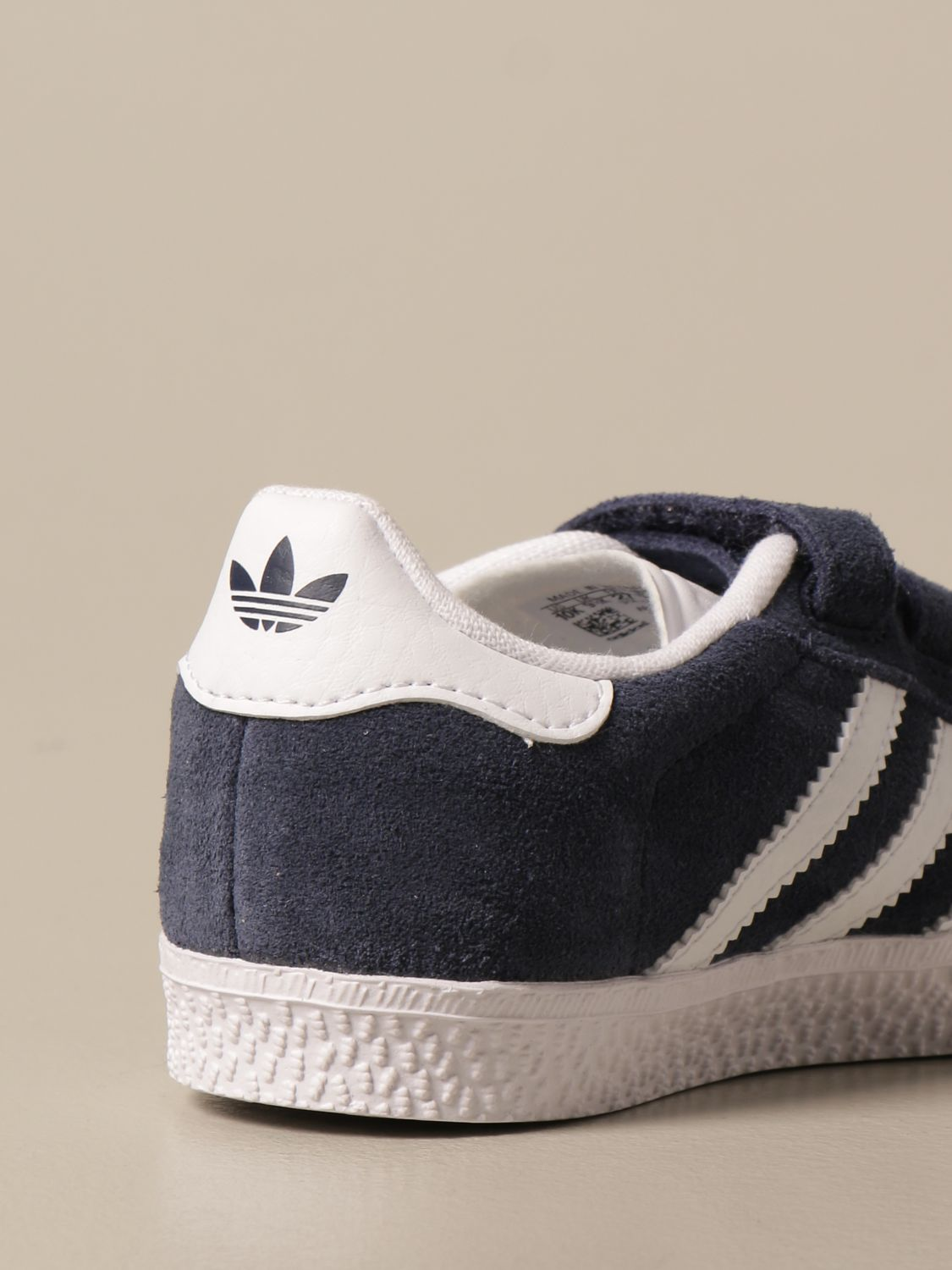 Gazelle Adidas Originals sneakers in suede and leather