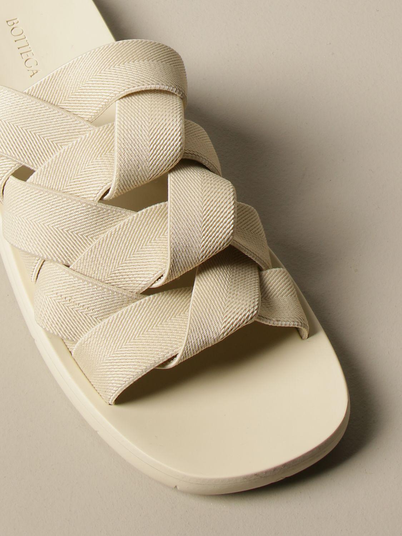 Sandali Bottega Veneta: Sandalo Bottega Veneta in tela e gomma stampata bianco 4