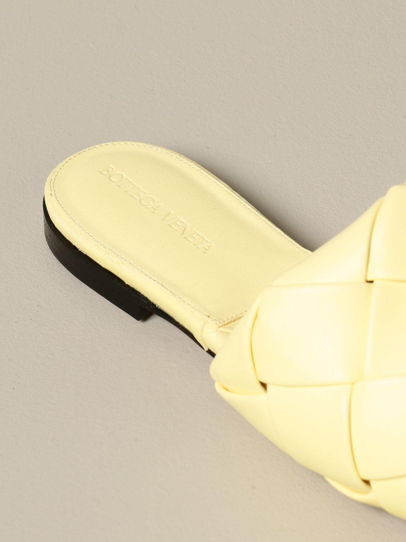 Босоножки без каблука Bottega Veneta: Обувь Женское Bottega Veneta желтый 4