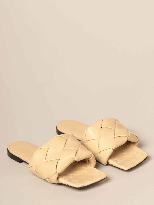 平跟凉鞋 Bottega Veneta: Bottega Veneta BV Lido 编织纳帕皮平底凉鞋 鸽子灰色 2