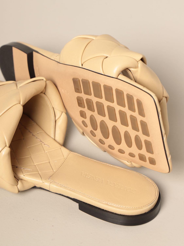 平跟凉鞋 Bottega Veneta: Bottega Veneta BV Lido 编织纳帕皮平底凉鞋 鸽子灰色 4