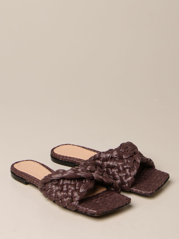 平跟凉鞋 Bottega Veneta: Bottega Veneta Stretch 编织拉菲草拖鞋凉鞋 暗色 2