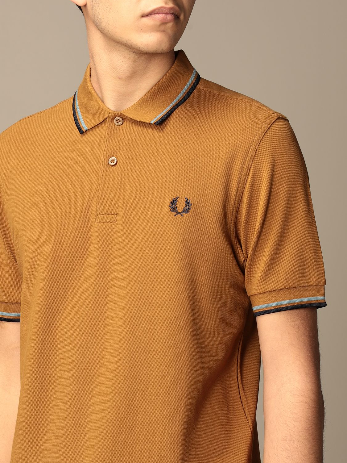 Polo Fred Perry: Polo hombre Fred Perry ambar 3