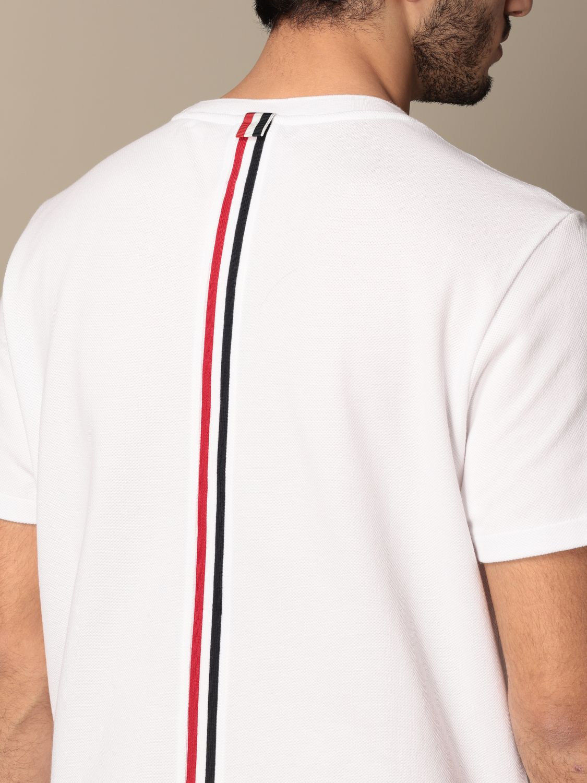 T-shirt Thom Browne: T-shirt Thom Browne in cotone con dettaglio a righe bianco 5