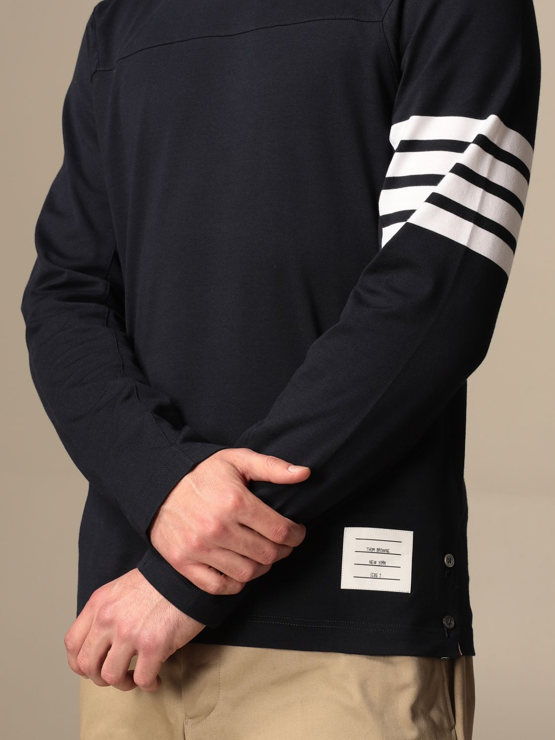 T-shirt Thom Browne: T-shirt Thom Browne in cotone con dettaglio a righe blue navy 5