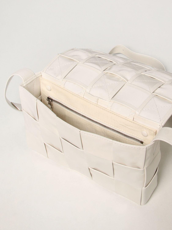 Borsa a tracolla Bottega Veneta: Borsa Cassette Bottega Veneta in pelle intrecciata bianco 4