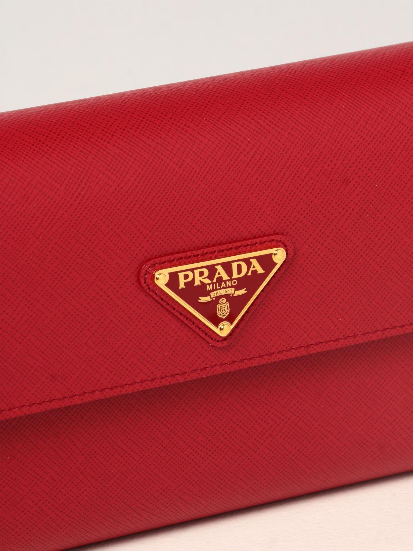Borse a tracolla Prada: Borsa a tracolla Prada in pelle saffiano con logo rosso 4