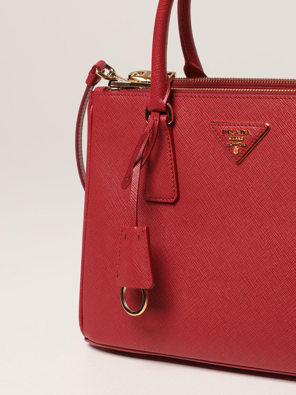 Borsa a mano Prada: Borsa Galleria Prada medium in pelle saffiano rosso 4