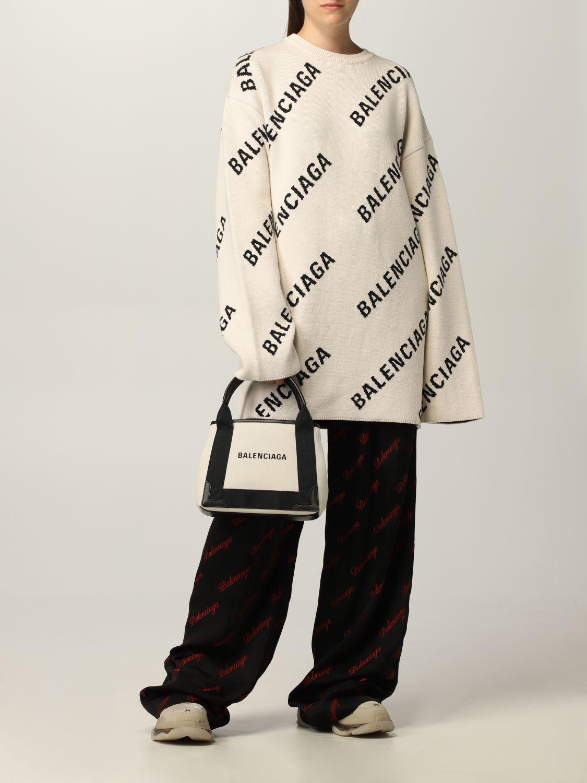 Maglia Balenciaga: Maglia oversize Balenciaga con logo all over panna 2