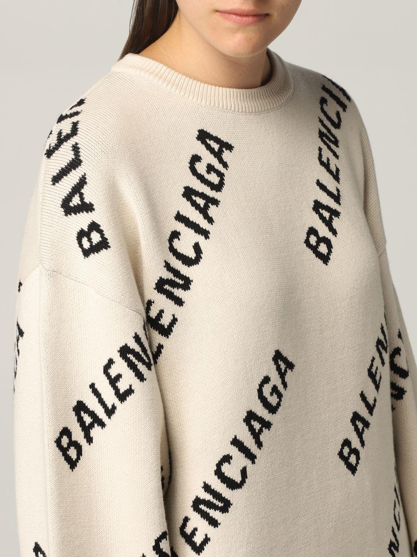 Maglia Balenciaga: Maglia oversize Balenciaga con logo all over panna 5