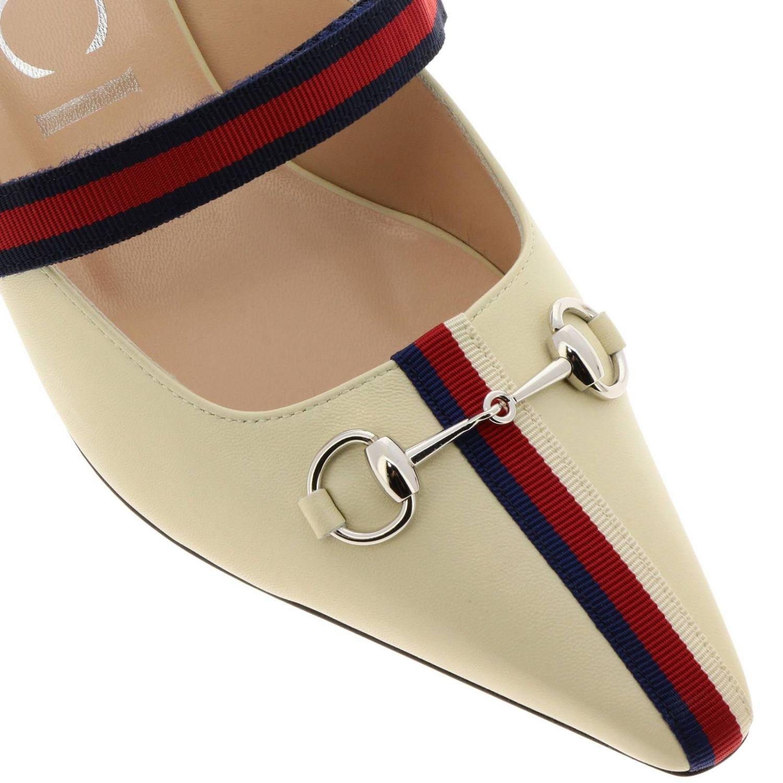 Sandali con tacco Gucci: Sandalo a punta in pelle con gancio metallico e fascia Web Gucci crema 3