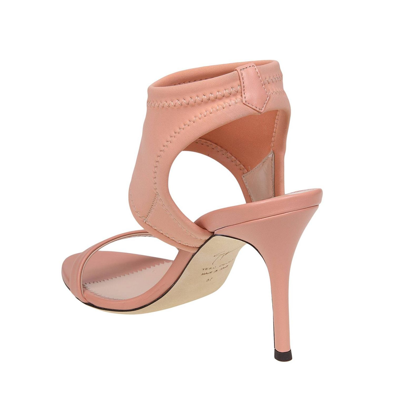 Босоножки на каблуке Женское Giuseppe Zanotti Design розовый 3