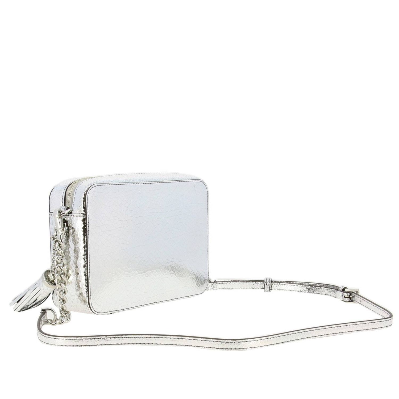 Borsa Michael Michael Kors camera bag in pelle laminata con logo argento 3