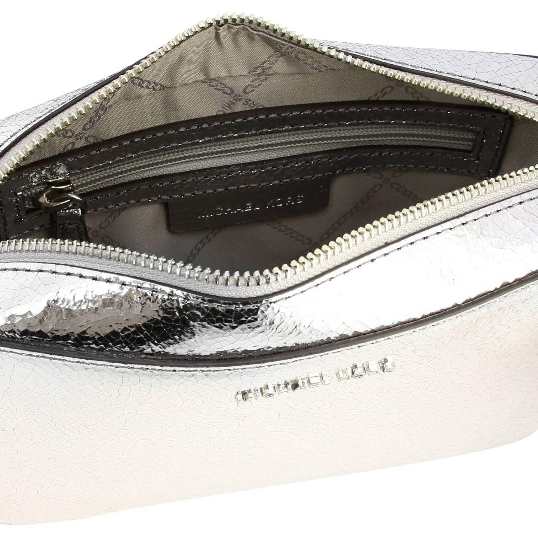 Borsa Michael Michael Kors camera bag in pelle laminata con logo argento 5