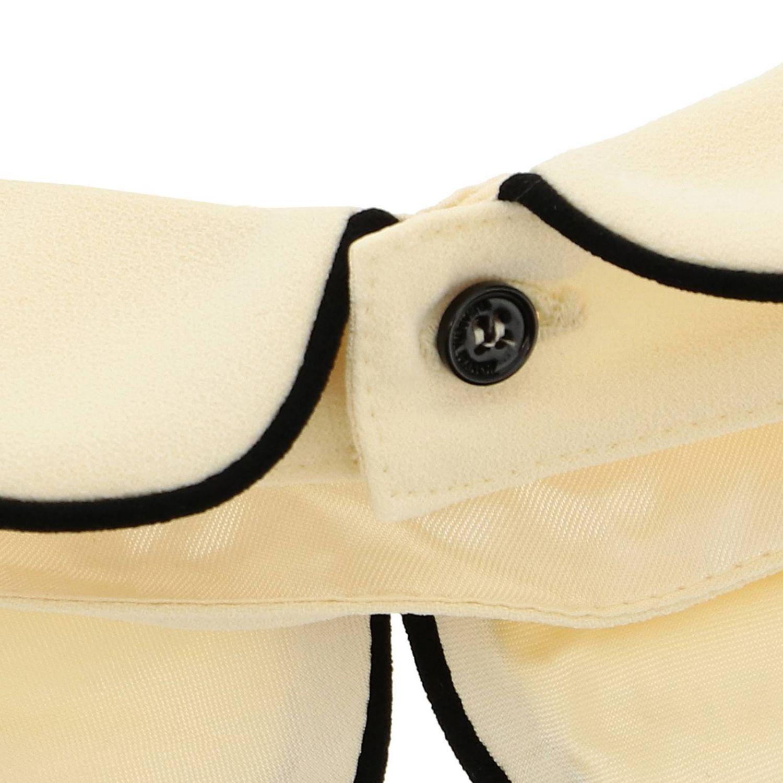 Collo Elisabetta Franchi con bordi a contrasto e logo nero 1 2