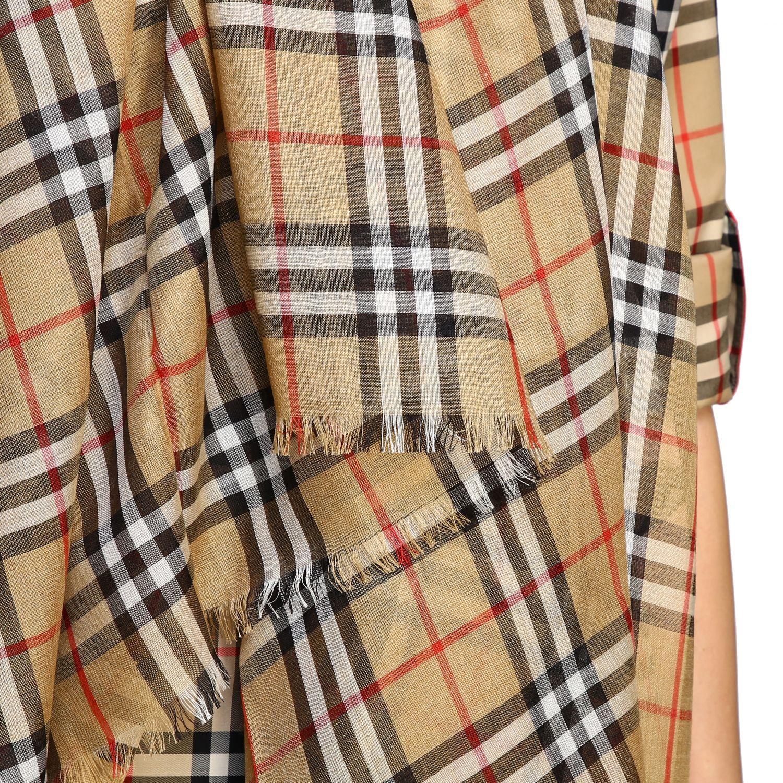 Burberry Schal mit Karo Muster bunt 3