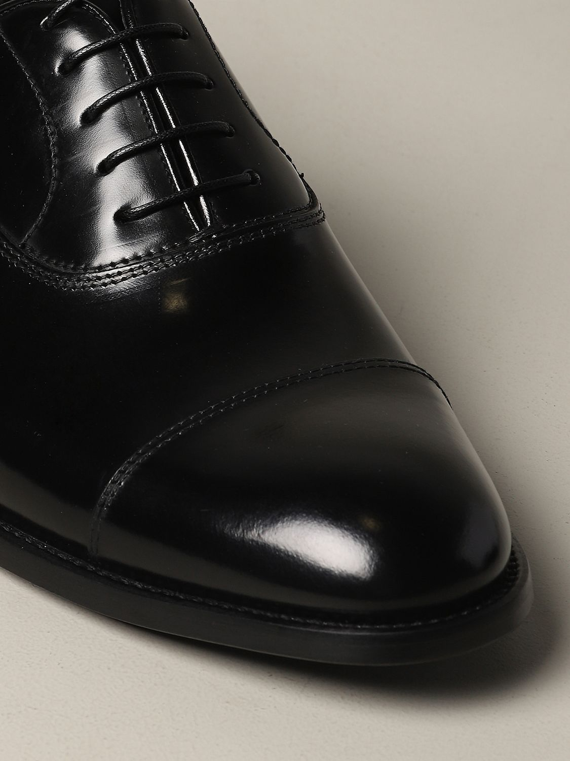 Brogue shoes Doucal's: Doucal's lace-up derby in leather black 4