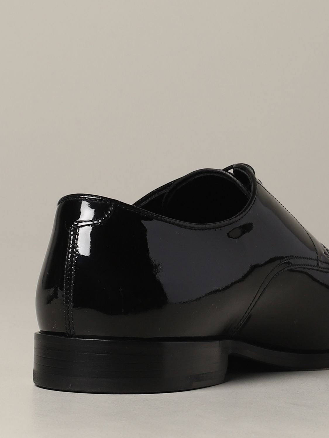 Brogue shoes Doucal's: Doucal's lace-up derby in shiny leather black 5