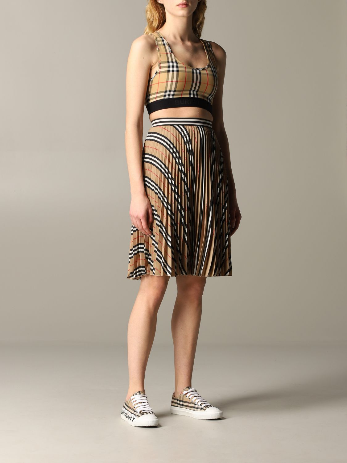 Burberry check pleated skirt beige 2