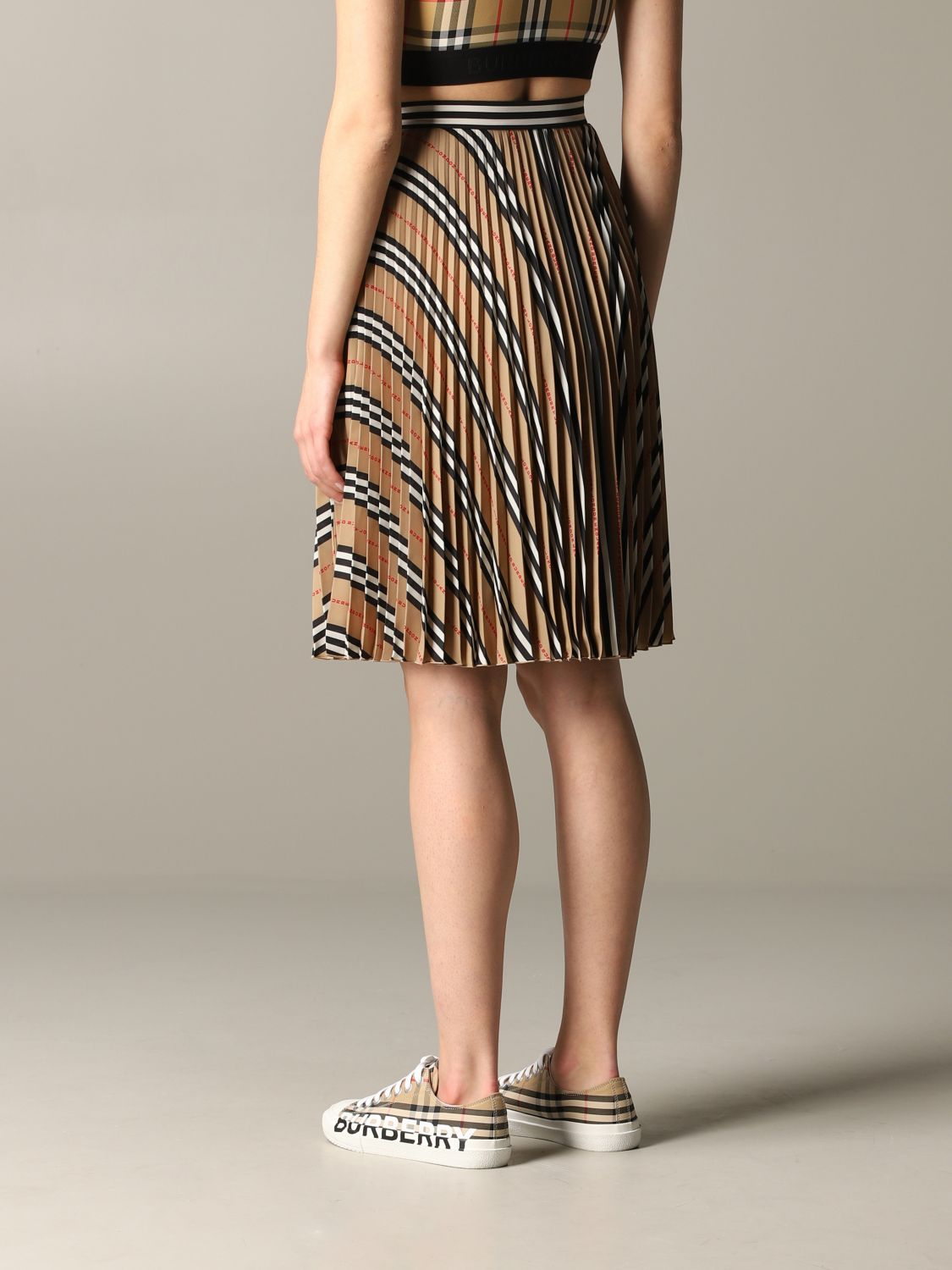 Burberry check pleated skirt beige 3
