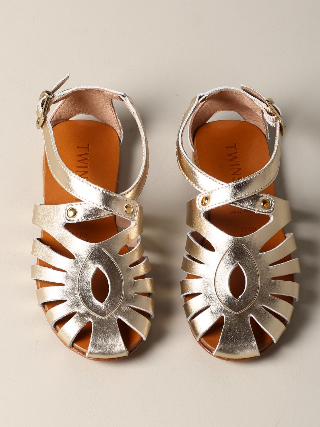 Twin-set flat sandal in laminated leather gold 3