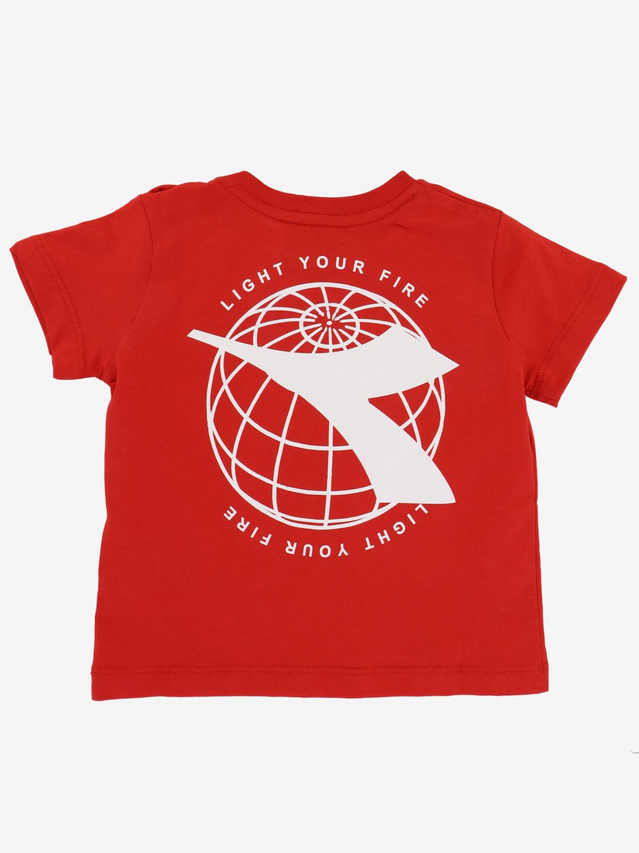 T-shirt Diadora: T-shirt Diadora a maniche corte con logo rosso 2