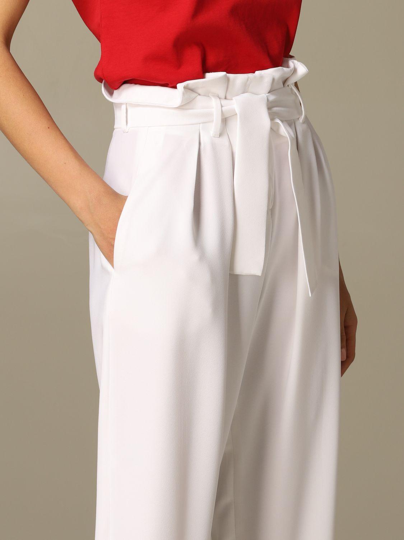 Pantalone Gaelle Bonheur a vita alta con cinta bianco 3