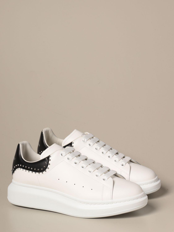 Sneakers Alexander Mcqueen: Sneakers Alexander McQueen in pelle con borchie bianco 2