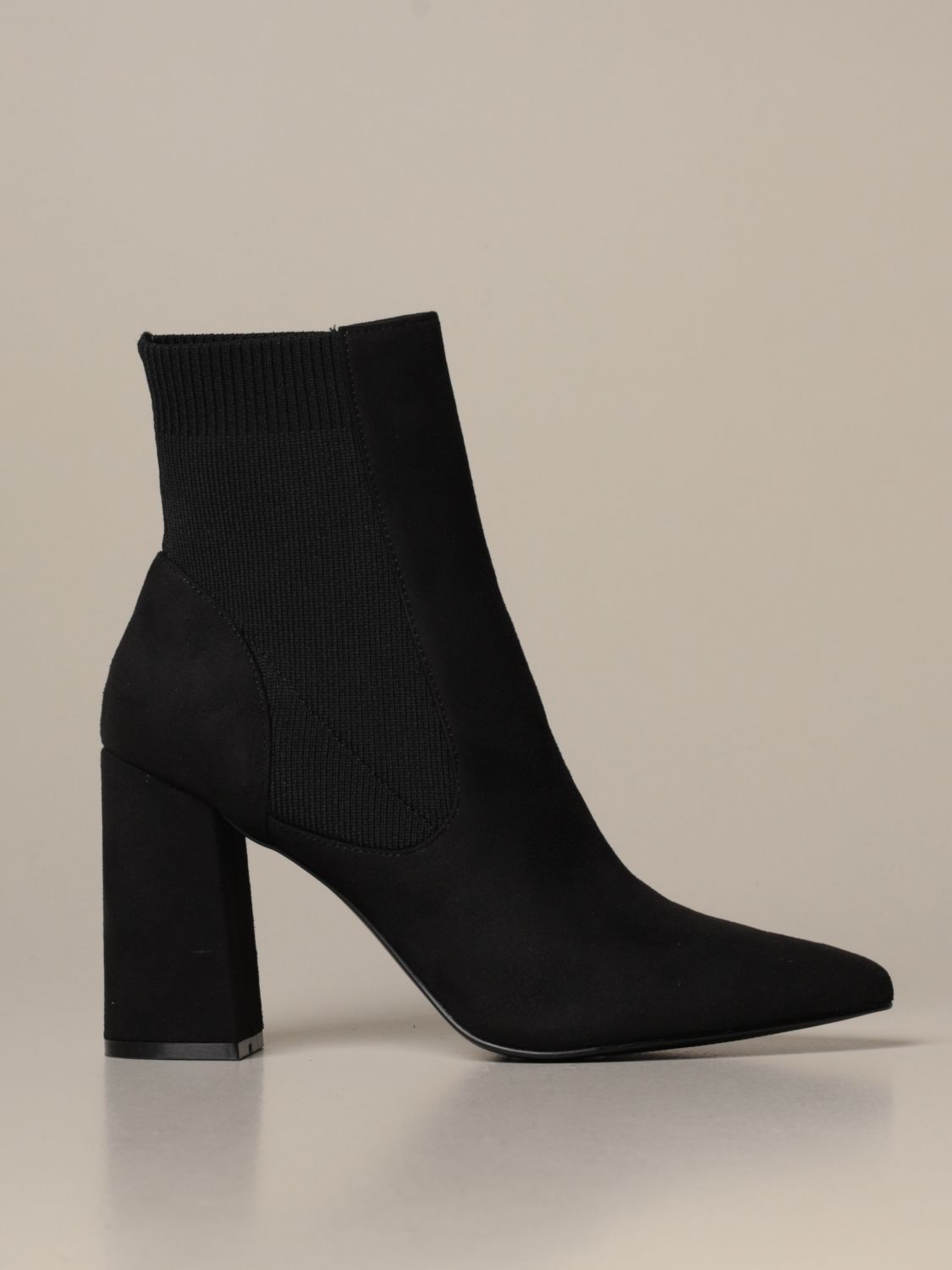 Reesa Steve Madden ankle boots in