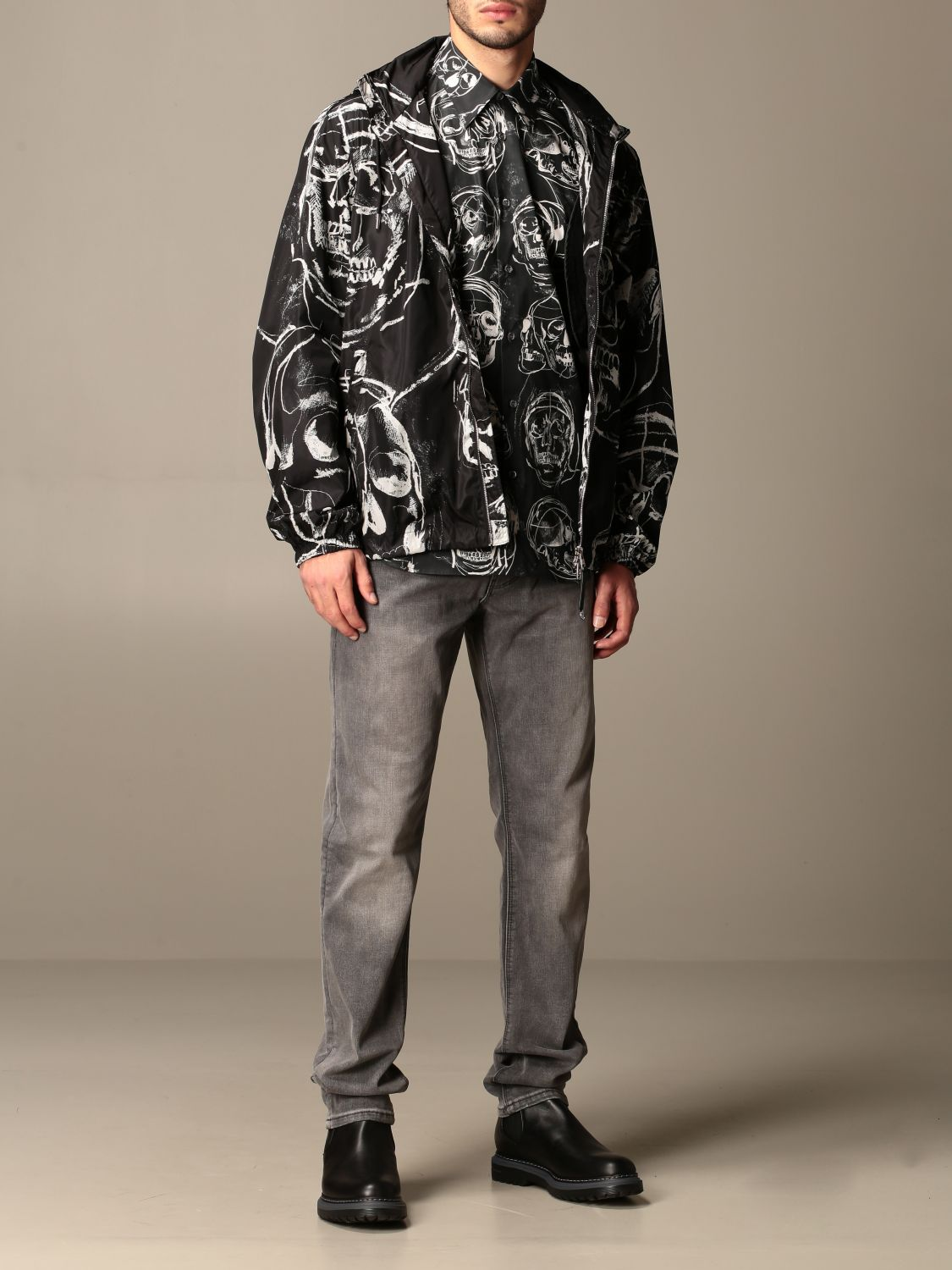 Shirt Alexander Mcqueen: Alexander McQueen shirt with all over skulls black 2