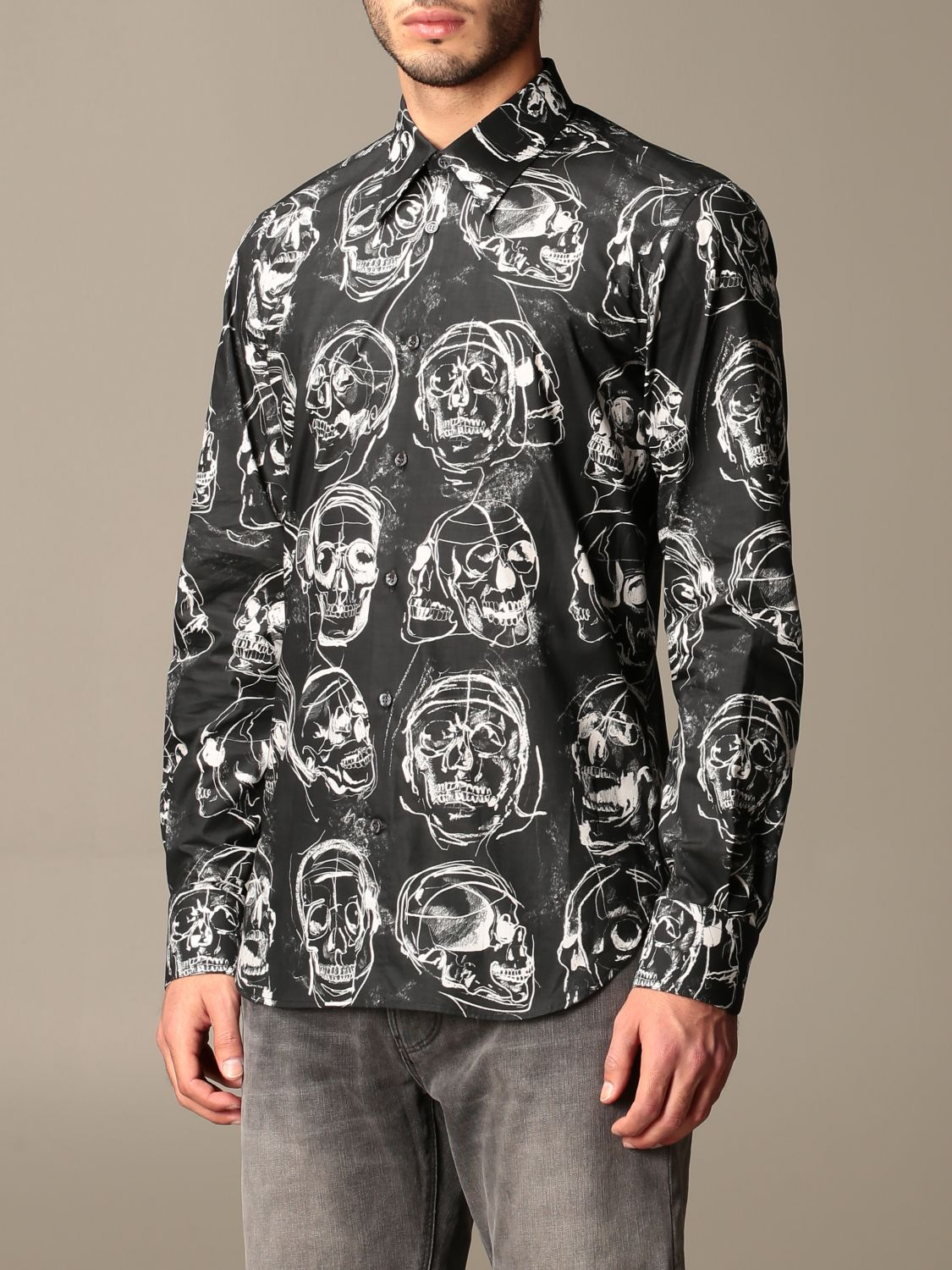 Shirt Alexander Mcqueen: Alexander McQueen shirt with all over skulls black 4