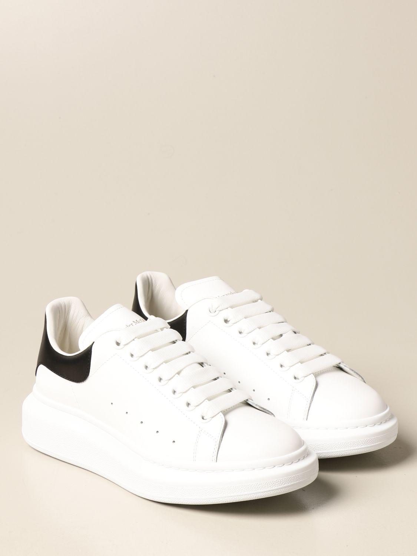 Sneakers Alexander Mcqueen: Sneakers Alexander McQueen in pelle con logo bianco 2